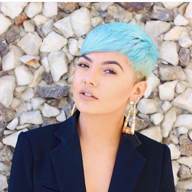 Widely Used Short Hairstyles With Blue Highlights And Undercut Intended For 35 Fresh New Light Blue Hair Color Ideas For Trendsetters (View 8 of 20)