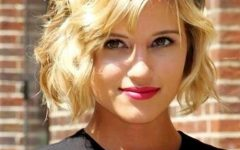 Wavy Short Hairstyles For Round Faces
