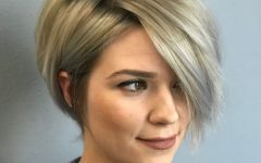 Short Razored Blonde Bob Haircuts with Gray Highlights