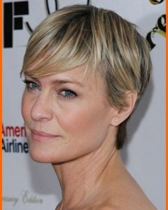 Short Hairstyles For Women Over 40 With Fine Hair