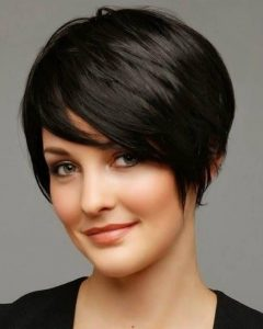 Short Haircuts For Round Faces And Thick Hair