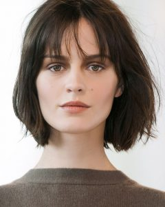 Low Maintenance Medium Haircuts For Round Faces