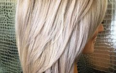 V-cut Layers Hairstyles for Thick Hair