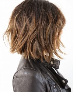 Short Bob Hairstyles With Piece-Y Layers And Babylights