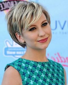 Short Haircuts For Women Round Face