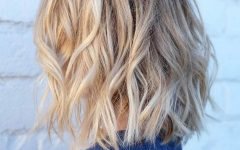 Messy Honey Blonde Bob Haircuts