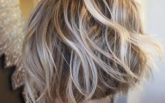 Tousled Wavy Bronde Bob Hairstyles
