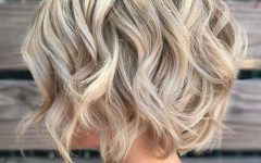Choppy Blonde Bob Hairstyles with Messy Waves