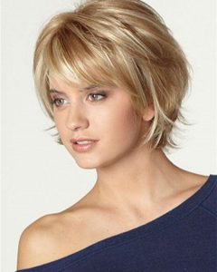 Women Short To Medium Hairstyles