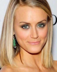 Short Medium Straight Hairstyles