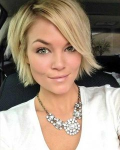 2018 popular short length hairstyles for thick hair
