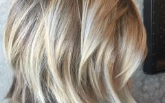 Dark and Light Contrasting Blonde Lob Hairstyles