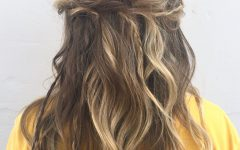 Loose Messy Waves Prom Hairstyles