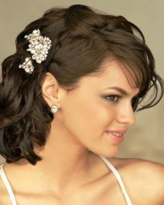 Wedding Hairstyles For Short-Medium Length Hair