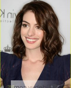 Anne Hathaway Medium Hairstyles