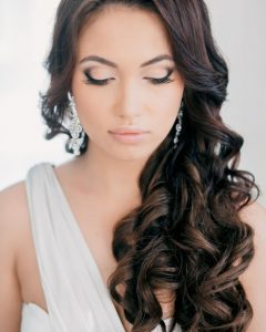 Down To The Side Wedding Hairstyles