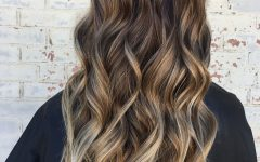 Loose Curls Blonde with Streaks
