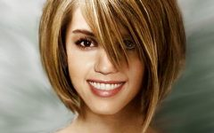 Short Haircuts For Petite Women