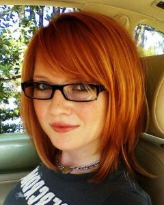 Medium Haircuts For Round Faces And Glasses