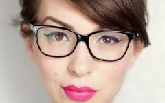 Medium Hairstyles for Glasses Wearers