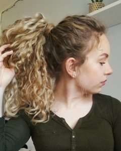 Bubbly Blonde Pony Hairstyles
