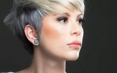 Ashy Blonde Pixie Haircuts with a Messy Touch