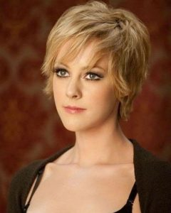 Short Haircuts For Thin Hair And Oval Face