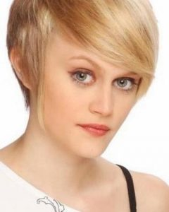 Short Hairstyles For Women With Big Ears