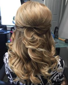 Half-Updo Blonde Hairstyles With Bouffant For Thick Hair