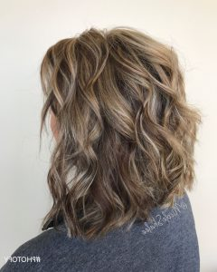 Gently Angled Waves Blonde Hairstyles