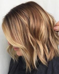 Volumized Caramel Blonde Lob Hairstyles