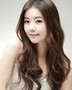 Korean Women Hairstyles for Long Hair