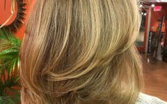 Swoopy Layers Hairstyles For Mid-Length Hair