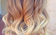 Shoulder-length Ombre Blonde Hairstyles