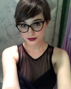 Pixie Haircuts With Glasses