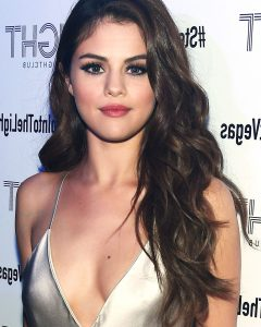 Selena Gomez Medium Haircuts