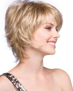 Short Hairstyles With Feathered Sides