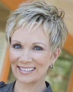 Short Trendy Hairstyles for Over 50