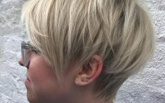 Medium Pixie Hairstyles with Bangs