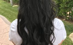 Simple Loose Black Waves Hairstyles