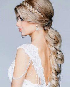 Flowy Goddess Hairstyles