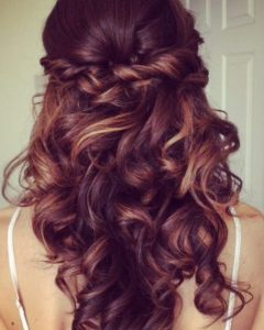 Elegant Curled Prom Hairstyles