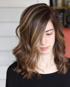 Medium Hairstyles for a Square Face