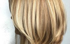Two-tier Caramel Blonde Lob Hairstyles